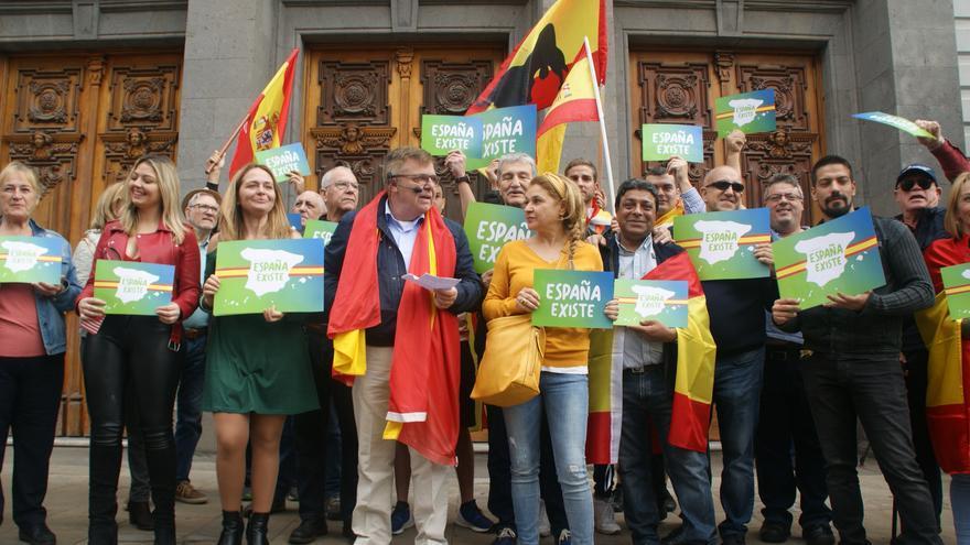 Concentración de Vox frente al Ayuntamiento de Santa Cruz de Tenerife