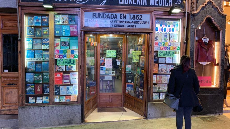 Escaparate de la librería Nicolás Moya