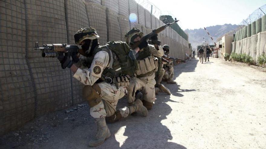 Continúa el asedio a la ciudad afgana de Farah tres días después
