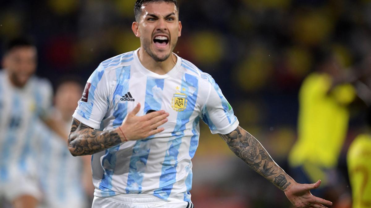 Leandro Paredes volvería a la titularidad en la Selección Argentina.