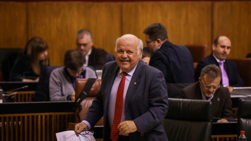 """Aguirre defiende por su """"profesionalidad"""" los nombramientos en el San Cecilio de Granada y Juan Ramón Jiménez de Huelva"""
