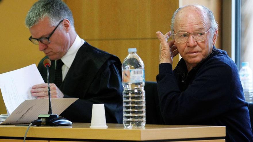 Jacinto Siverio, a la derecha, en la vista oral celebrada en la Audiencia Provincial