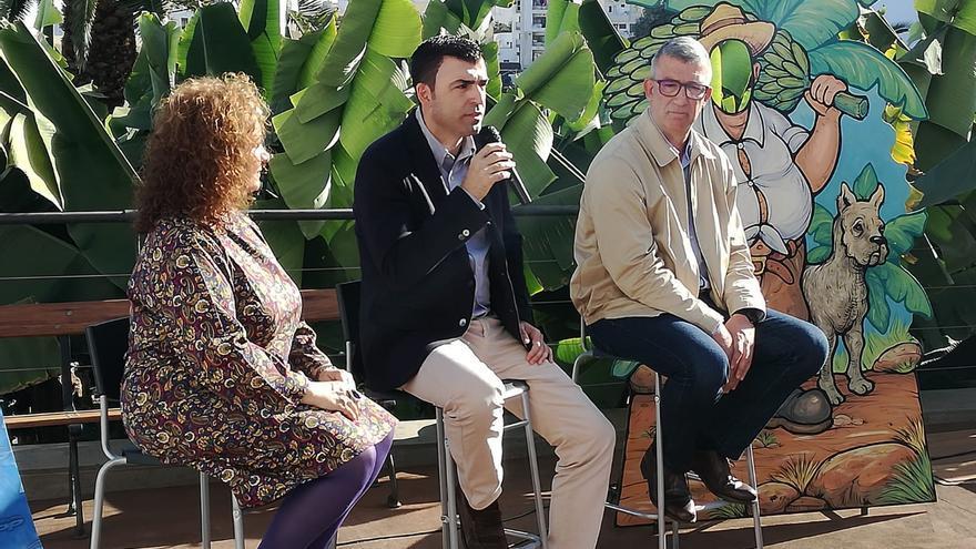 José María Polegre, a la derecha en la foto, junto a Manuel Domínguez e Isabel García