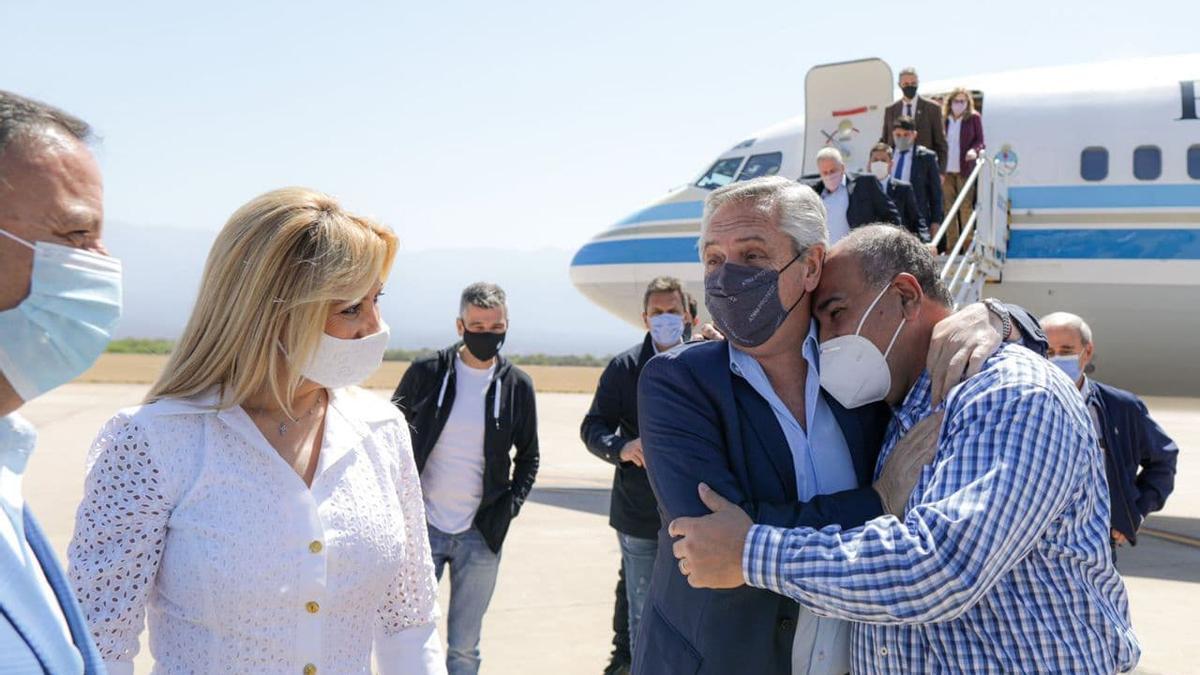 Alberto Fernández llegó a La Rioja para reunirse con gobernadores