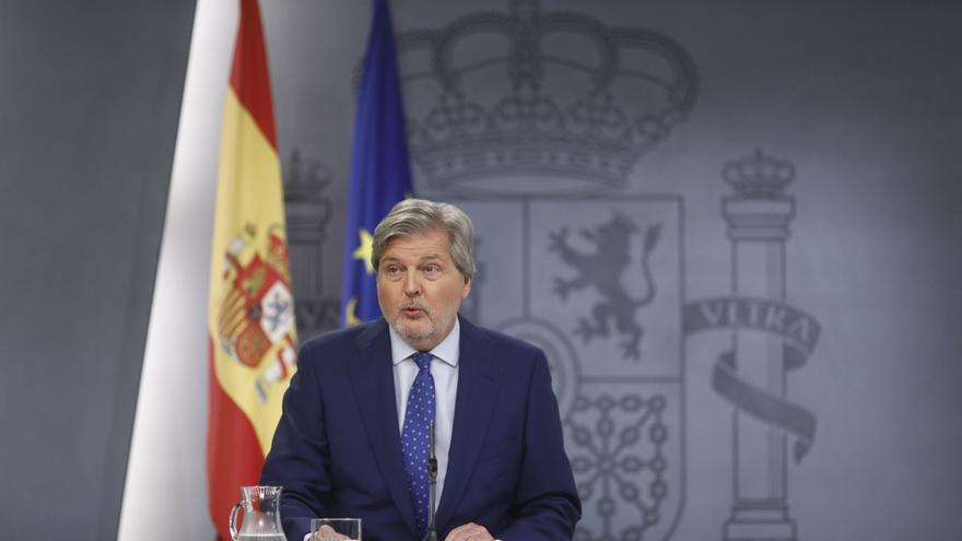 """El Gobierno avisa de las consecuencias de comprar urnas con dinero """"de todos los catalanes"""" para un referéndum """"ilegal"""""""