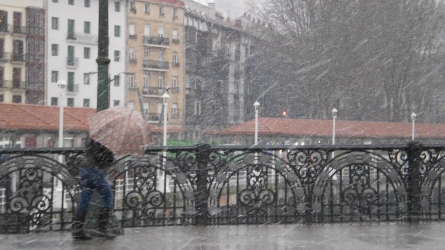 Alertan de precipitaciones de más de 60 l/m2 a partir de las seis de esta tarde en la cornisa cantábrica