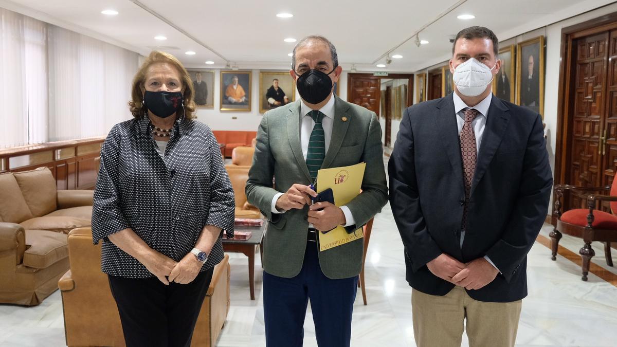 Concha Yoldi, Miguel Ángel Castro y Francisco José Acedo.