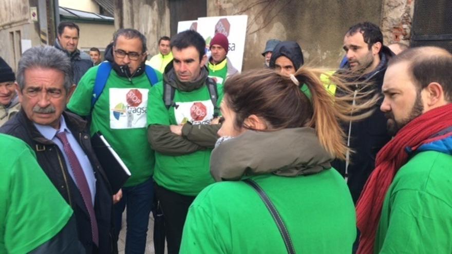 """Unanimidad del Parlamento para que Cantabria pida al Gobierno central """"revertir"""" el ERE de Tragsa"""