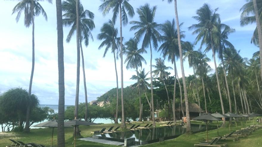 Piscina del Haad Thien Resort en Koh Tao, Tailandia. IMAGEN: Jordi Sabaté
