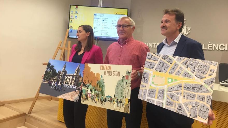 La delegada de Participación Ciudadana, Elisa Valía, el alcalde de Valencia, Joan Ribó, y el concejal de Movilidad Sostenible, Giuseppe Grezzi