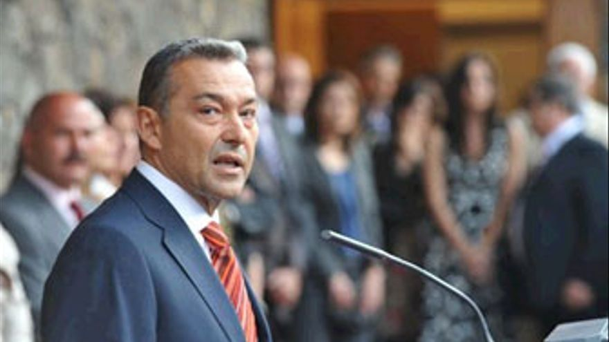 Paulino Rivero, presidente del Gobierno de Canarias. (EP / BIRMINGHAMEXPRESS)