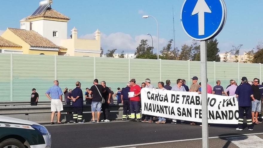 """Trabajadores de Navantia piden la dimisión de Robles y que el Gobierno """"recule para garantizar las corbetas"""""""