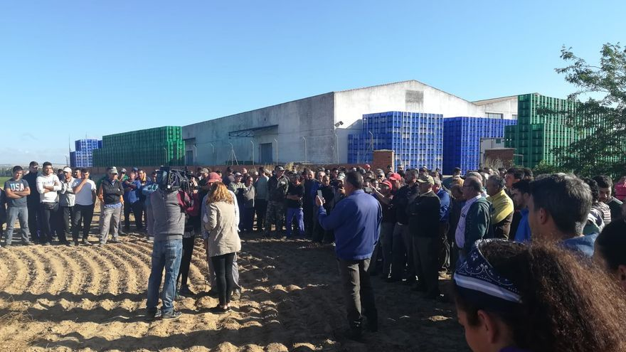 Protesta jornaleros fruta Badajoz
