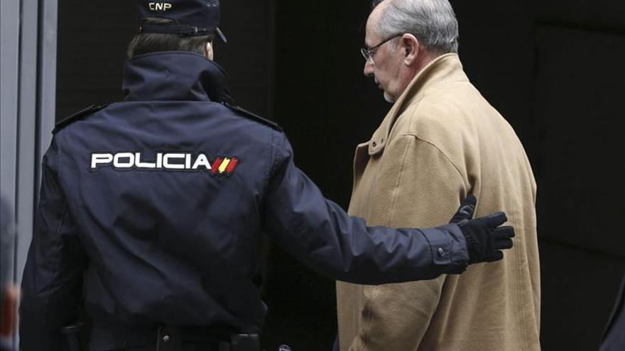 IU se querella contra Rato y otros 31 exconsejeros de BFA y Bankia por estafa