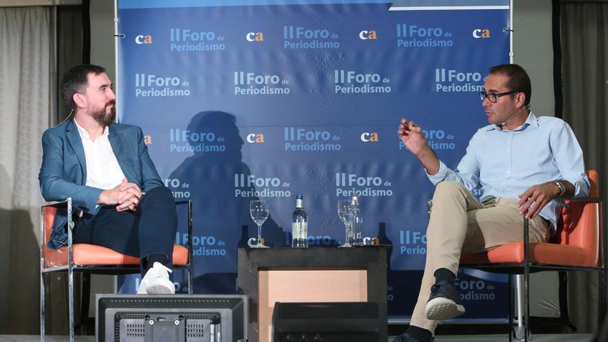 El director de eldiario.es, Ignacio Escolar, y el periodista y exdirector de 'El Mundo', David Jiménez, en el II Foro de Periodismo de Canarias Ahora.
