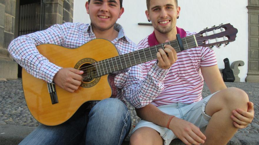 Elías (izquierda) y Manu son amigos desde los tres años. Foto. LUZ RODRÍGUEZ