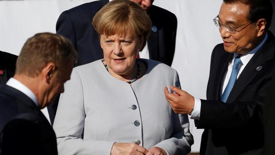 Merkel condena el intento golpista y apremia a respetar las reglas democráticas