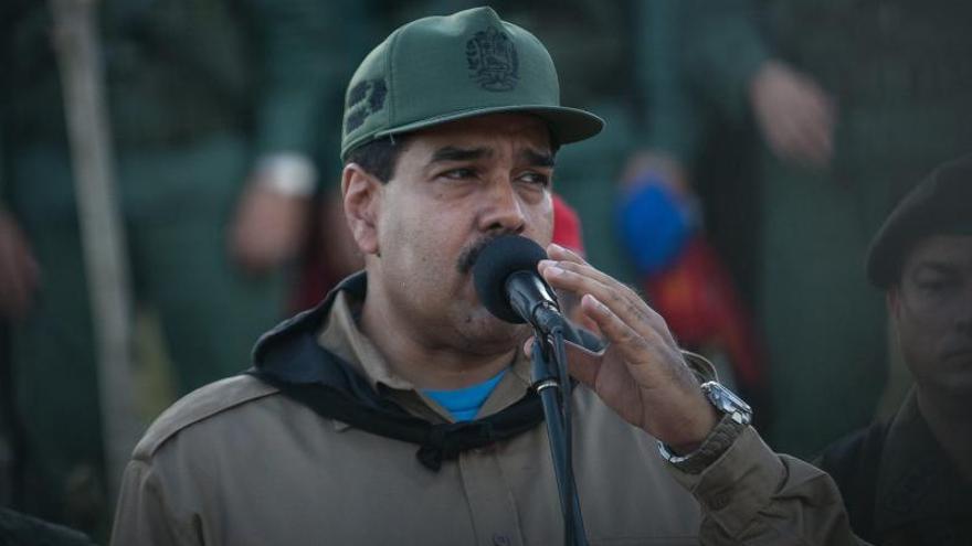 Maduro comienza un año de duros desafíos con cambios de Gobierno y de tono