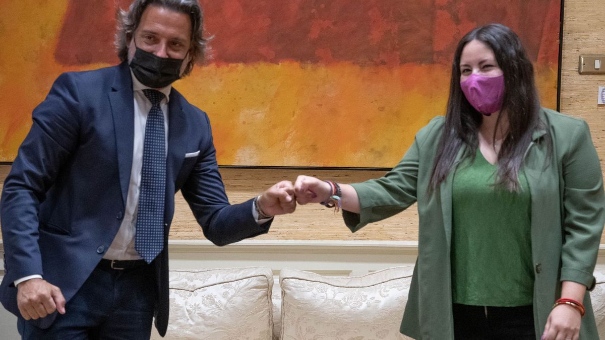Gustavo Matos y Laura Fuentes, este lunes, en el encuentro que ambos han mantenido