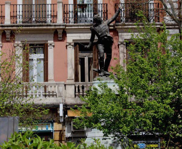 Estatua del Teniente Jacinto Ruiz Mendoza | Fotografía: Somos Chueca