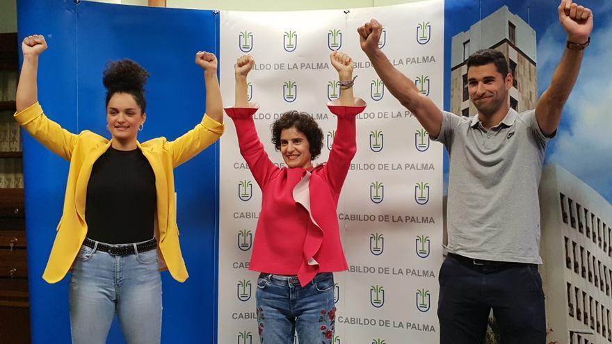 Rosanna y Samuel junto a la consejera Jovita Monterrey.