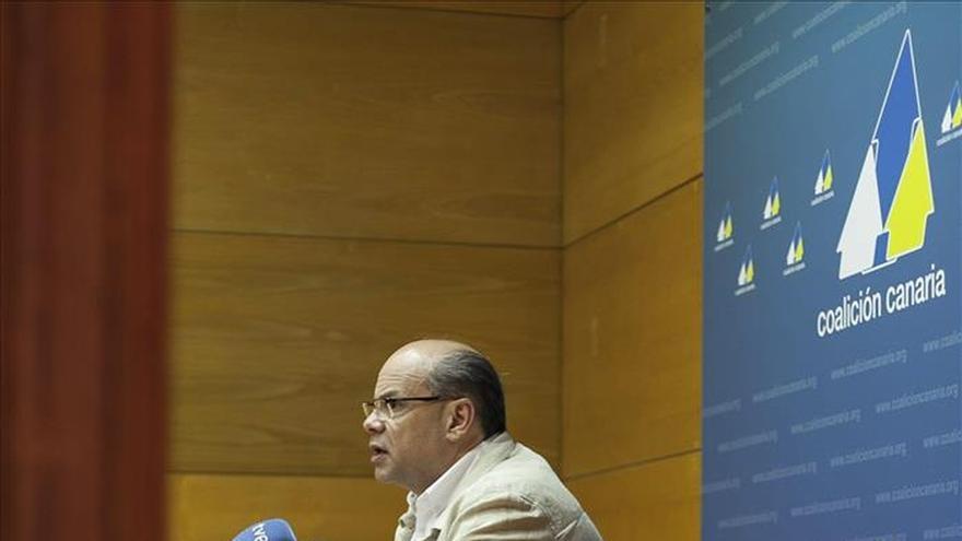 CC aprueba el acuerdo con el PSOE y expedienta a los concejales que lo incumplen