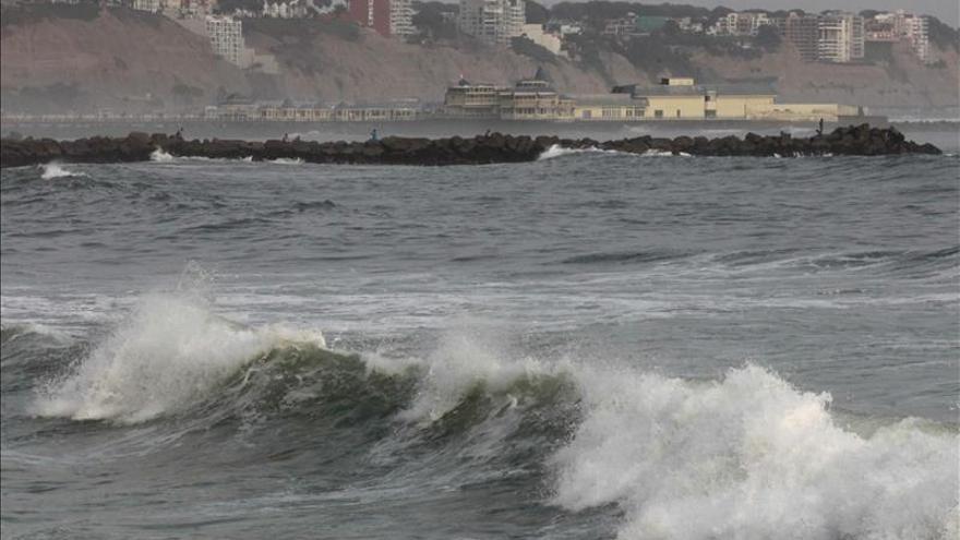 Oleaje intenso en el Pacífico afecta costas americanas y marca el inicio de El Niño