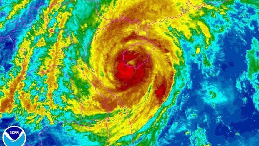 Vietnam evacúa a 600.000 personas ante la llegada del tifón que ha arrasado en Filipinas