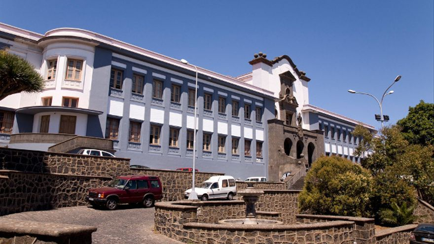 Edificio central de la Universidad de La Laguna.