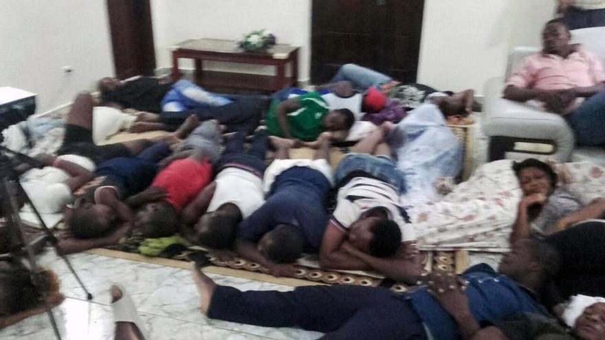 Interior de la sede, con más de 200 personas secuestradas