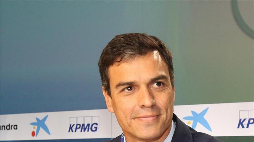 Pedro Sánchez y Javier Fernández estudian los acuerdos del PSOE en el Principado