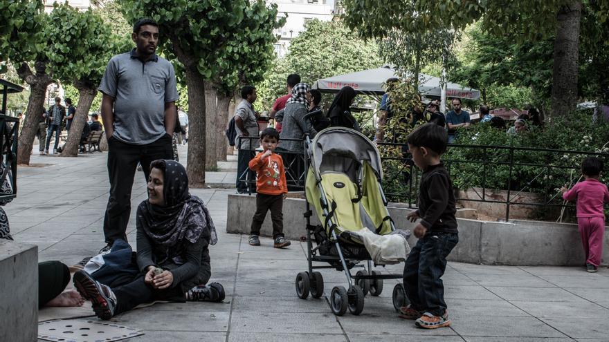 Refugiados en la plaza de La Victoria, en Atenas(Ankor Ramos)