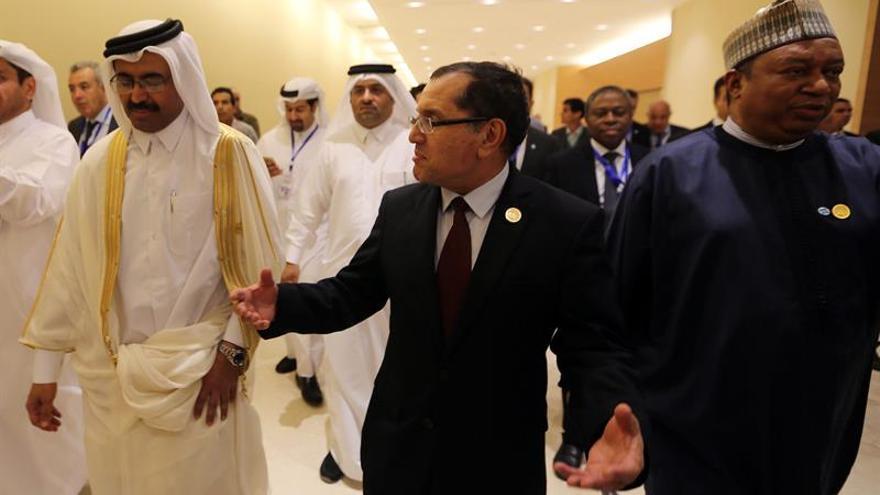 La OPEP decidirá en Viena la cantidad y la duración de la reducción de petróleo