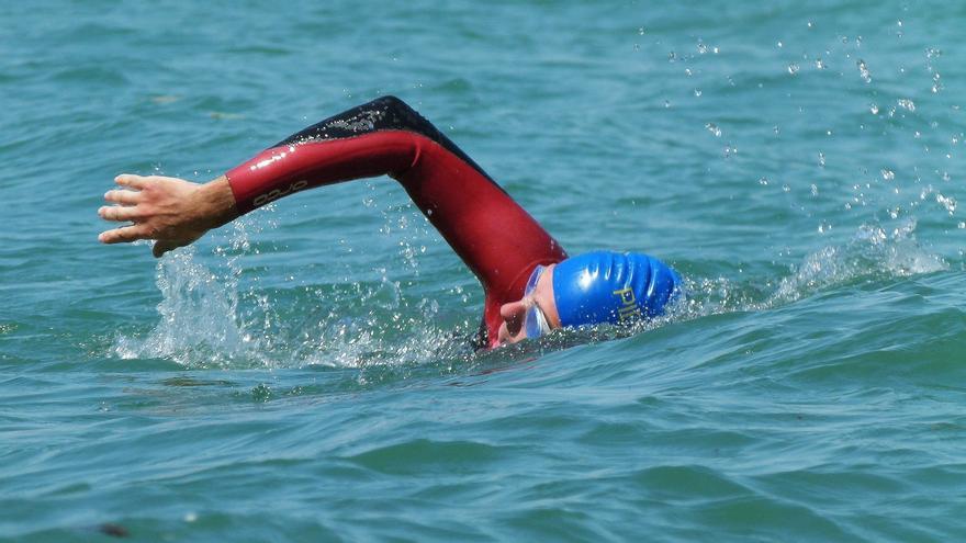 Un bombero de Castro Urdiales nadará la isla de Formentera para sensibilizar sobre la fibrosis quística