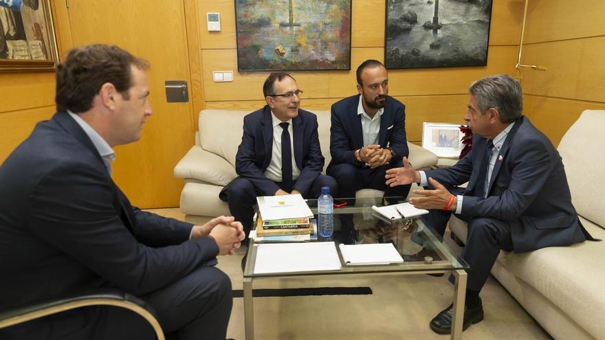 El Gobierno se compromete a apoyar los proyectos para generar suelo industrial en Torrelavega