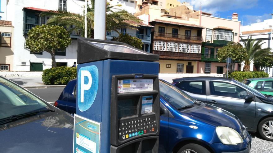Parquímetro de la zona azul situado en la Avenida Marítima de Santa Cruz de La Palma.