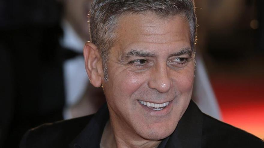"""George Clooney llama """"obscena"""" la financiación de campañas políticas en EE.UU."""