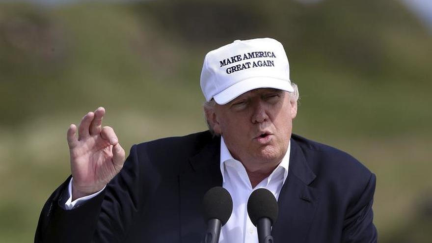 La campaña de Clinton alerta de que Trump puede ganar el estado clave de Florida
