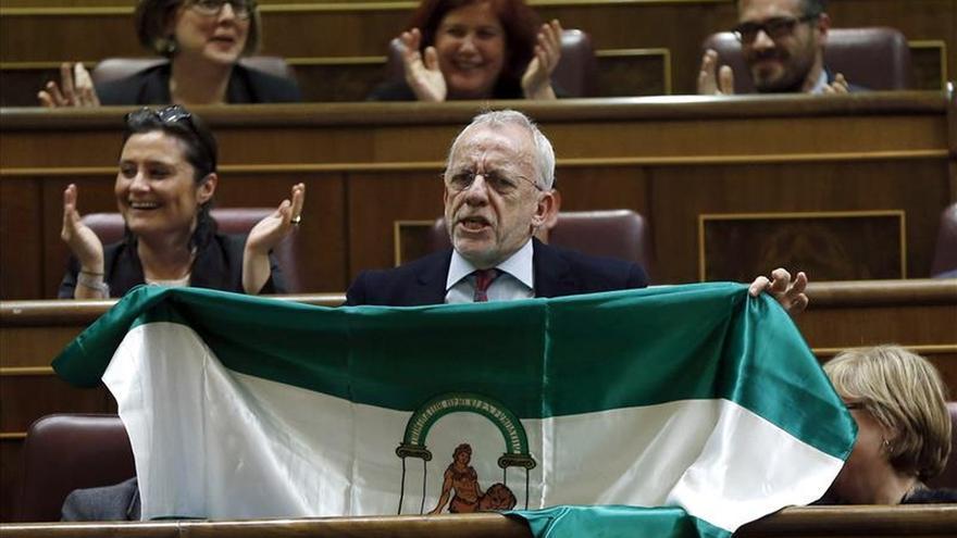 El diputado socialista Manuel Pezzi cierra su etapa parlamentaria