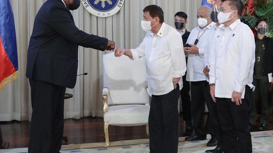 Duterte se retracta de la anulación de acuerdo militar entre Filipinas y EEUU
