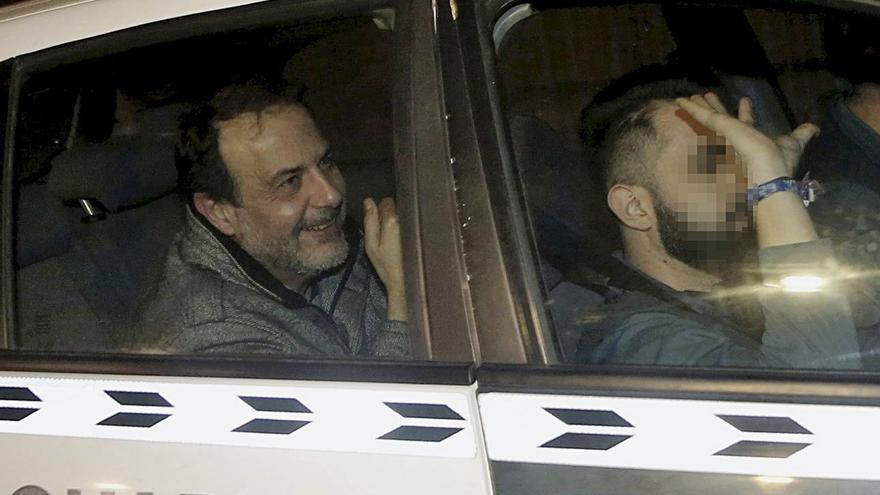 Vicente Burgos, exgerente de la Fundación Jaume II El Just, tras ser detenido por la Guardia Civil en la operación Taula.