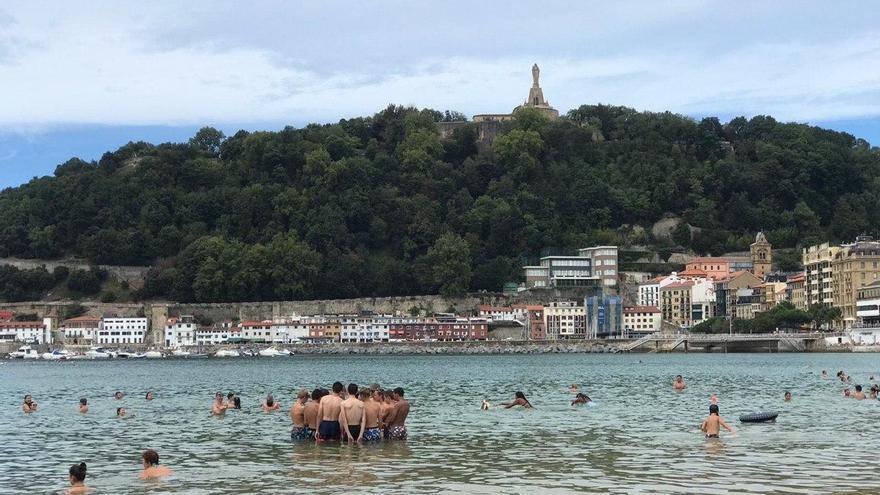 De obligación a recomendación: Euskadi ya no prohíbe las reuniones de más de 10 personas en la calle para evitar problemas jurídicos