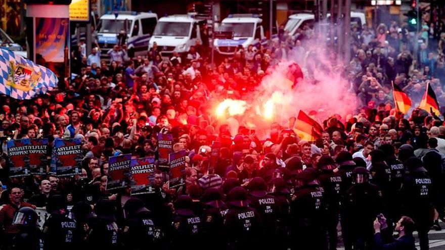 Manifestación de grupos ultras el 25 de agosto en la localidad de Chemnitz.