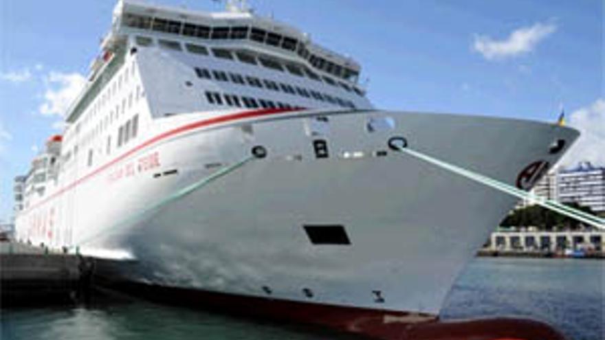 Nuevo ferry de Naviera Armas 'Volcán del Teide'. (ACFI PRESS)