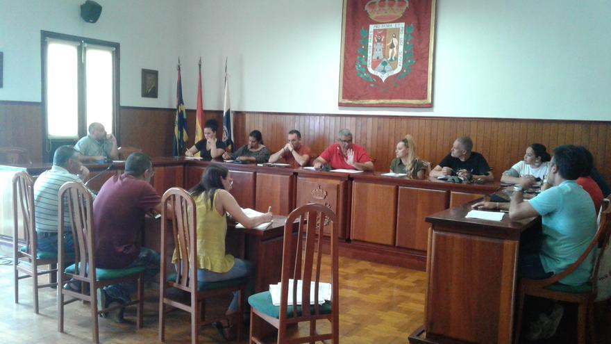 Imagen de archivo del pleno del Ayuntamiento de Tazacorte.