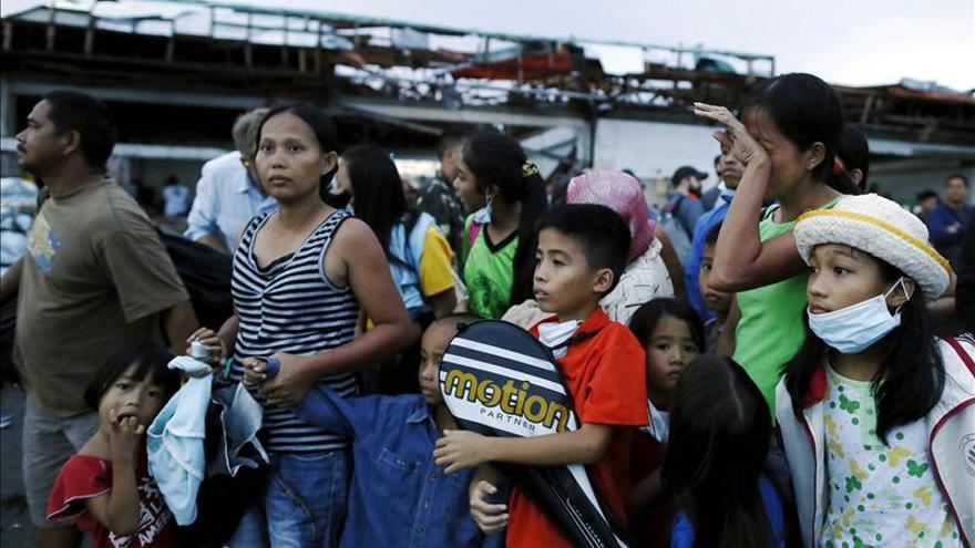 Obama telefonea al presidente filipino para transmitir pésame y ofrecer ayuda