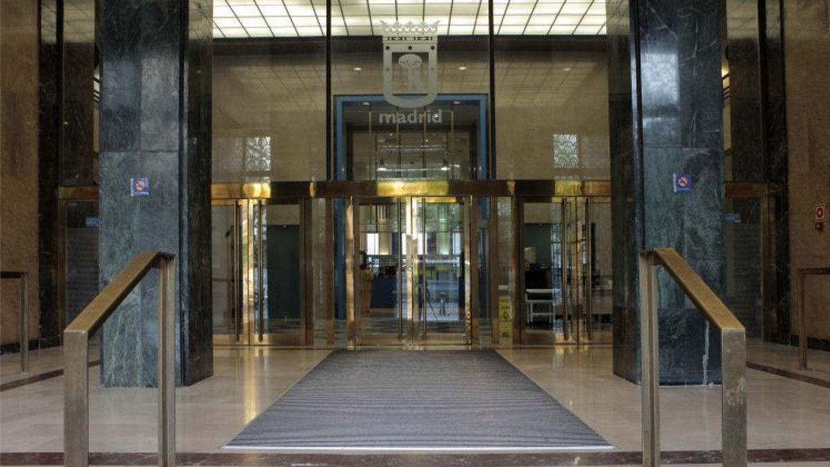 Entrada del edificio de la C/ Alcalá 45   AYUNTAMIENTO DE MADRID