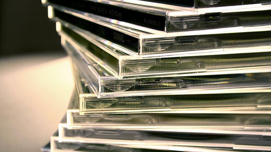 El canon digital hace pagar a los fabricantes por equipos y soportes de reproducción y grabación