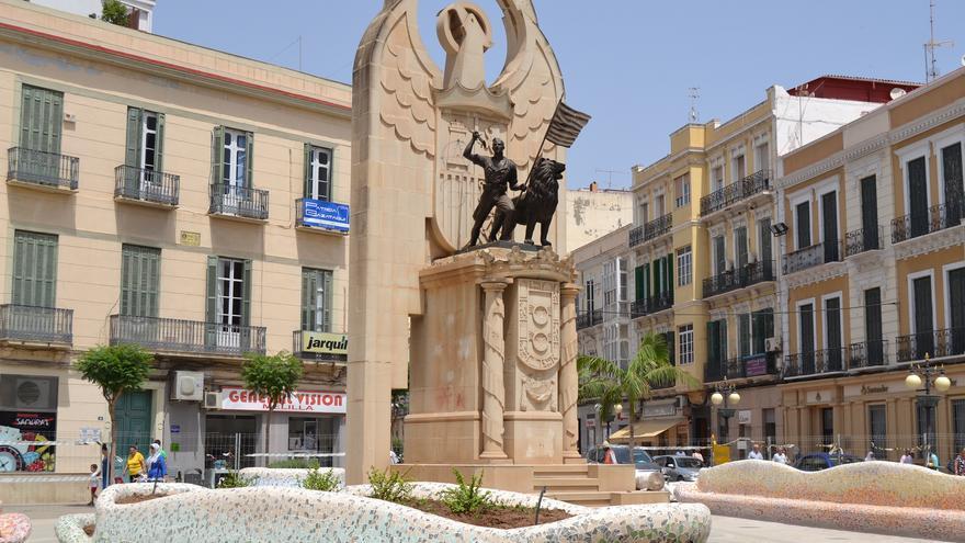 El monumento de la plaza Héroes de España, durante las obras de la pasada primavera | Néstor Cenizo