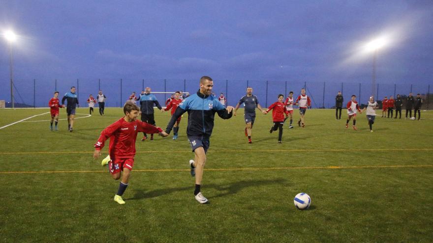La actividad tuvo lugar el pasado miércoles en la Ciudad Deportiva Tenerife Javier Pérez y en el IES Geneto.